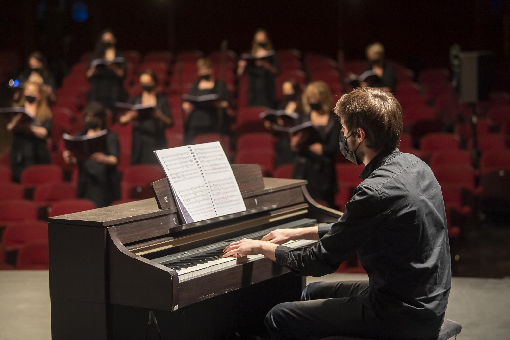 Pierre Fontenelle, Cello de Atout c(h)œur : CHOIR CONCERT